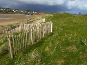 A research photo, the edge of the Lahinch Golf Course. A scene with DS Danny Ahern takes place here.